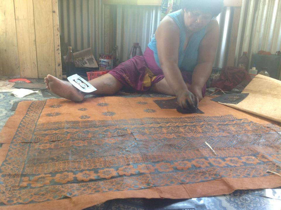 Selai creating a wedding screen.